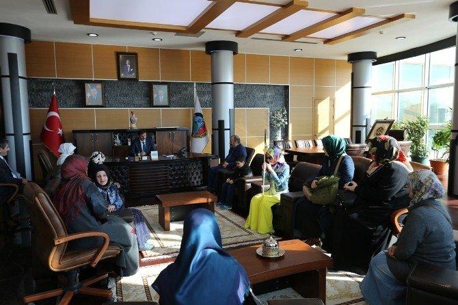 Görme Engelli Kursiyerlerden Başkan Alemdar'a İade-i Ziyaret