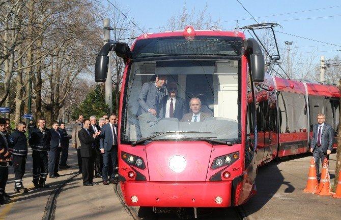 Bursa'da Raylı Sistem Araç Filosu Güçleniyor