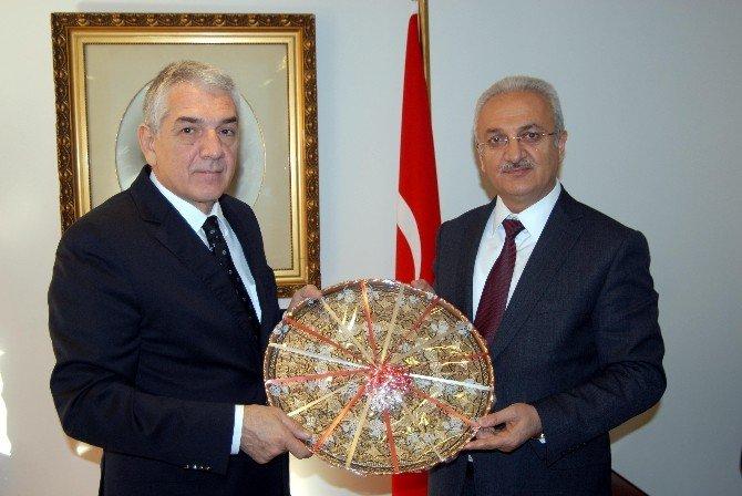 Madrid Büyükelçisinden Erzincan Heyetine Sıcak Karşılama