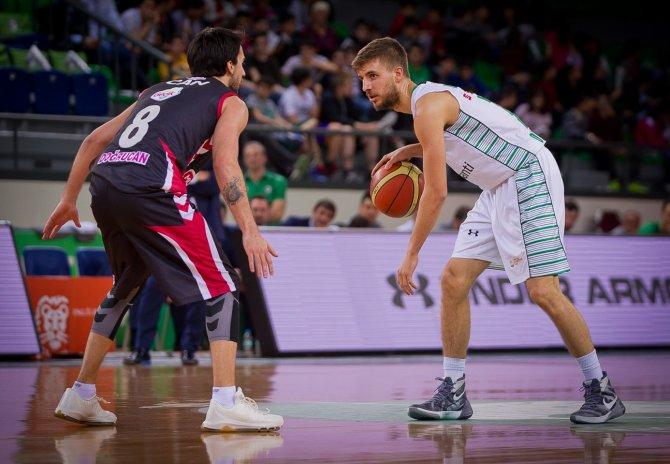 Darüşşafaka Doğuş Basketbol'un genç yeteneği Özdemiroğlu hayatını oynadı