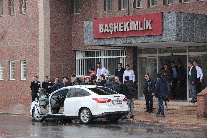 Diyarbakır'da Başhekime Silahlı Saldırı: 4 Yaralı