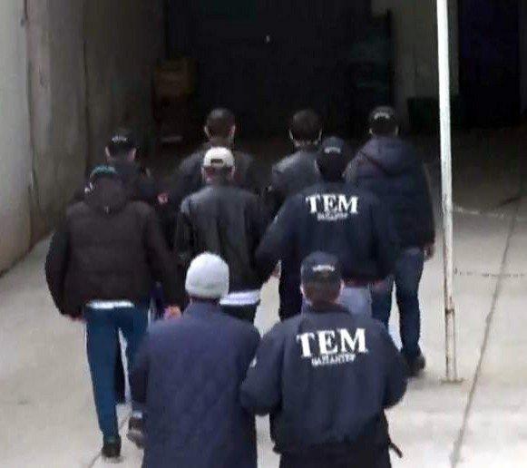 Suriye'ye Geçmek İsteyen 5 Daeş Üyesi Yakalandı