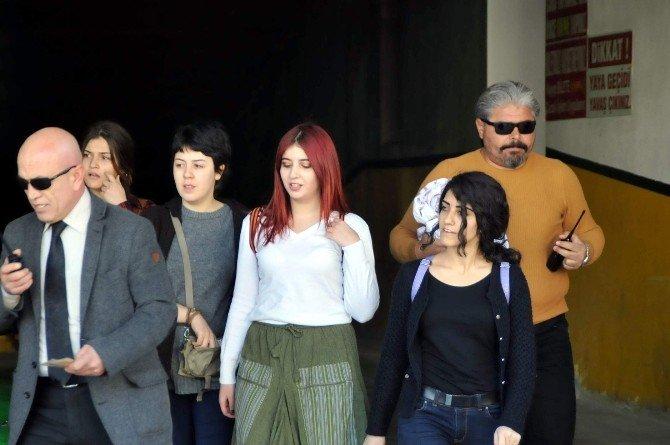 Muğla'da Genç Kızlar Kadın Cinayetleri İçin Eylem Yaptı