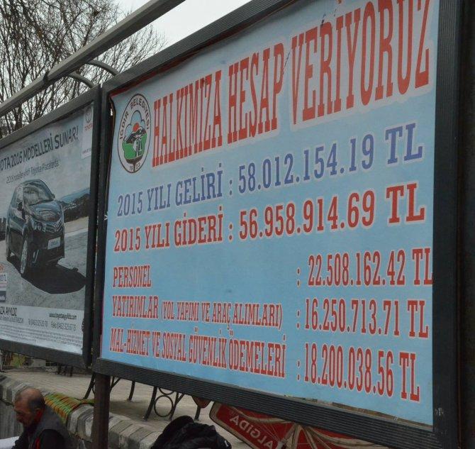 Iğdır Belediyesi, gelir-gider tablosunu billboardlara astı