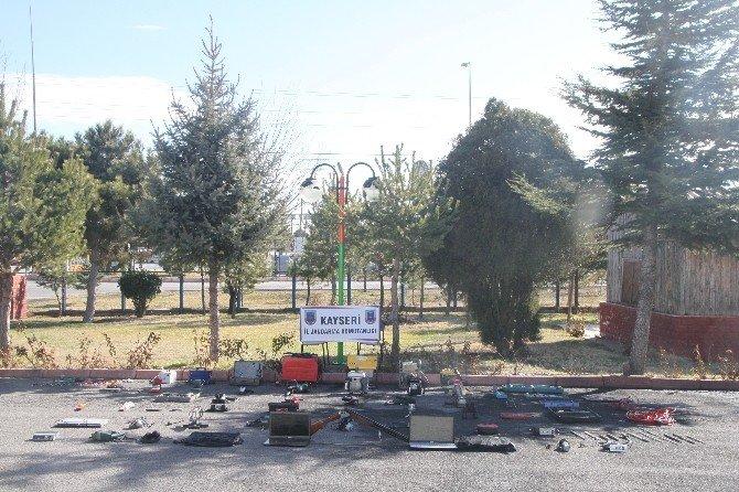 İncesu'da Hırsızlık Yaptığı İleri Sürülen İki Kişi Gözaltına Alındı