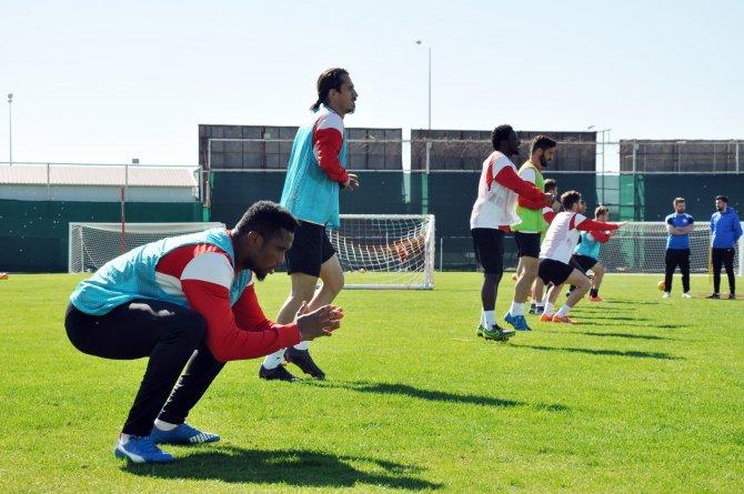 Ömer Şişmanoğlu: EURO 2016 için mücadele veriyorum