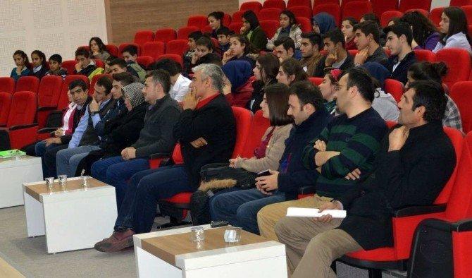 Nizip Eğitim Fakültesinde Türk Dilinin Önemi Adlı Konferans Düzenlendi