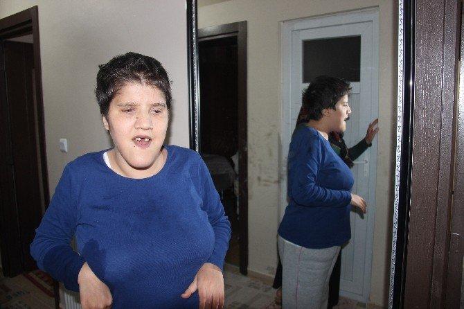 Zihinsel Engelli Çocuklarına Borç Tebligatı Gönderilmesine Tepki Gösterdi