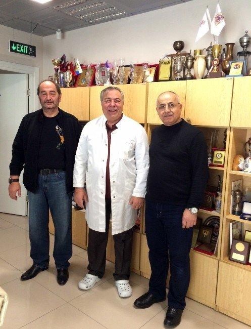 Sadece Tıbbın Değil Aynı Zamanda Sporun Da Profesörü İbrahim Öztek