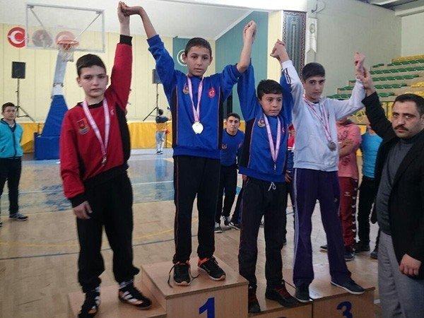 Şairnabi Ortaokulundan Güreş Dalında Büyük Başarı