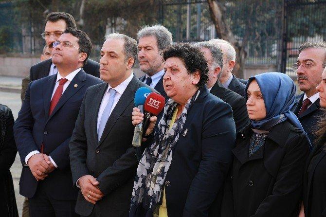 TBMM İnsan Hakları İnceleme Komisyonu Merasim Sokak'a Karanfil Bıraktı