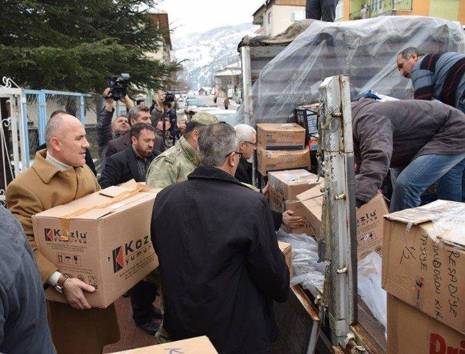 """Tokat'tan Şırnak'taki Güvenlik Güçlerine Bir Kamyon """"Yöresel Kumanya"""""""