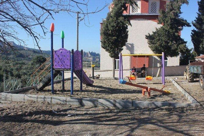 Atıl Alan Çocuk Oyun Alanına Dönüştü