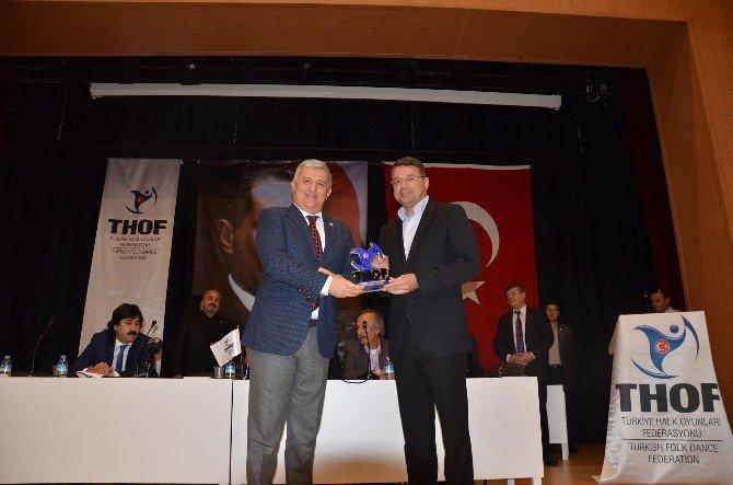 Başkan Turgut'a Halk Oyunları Teşekkürü