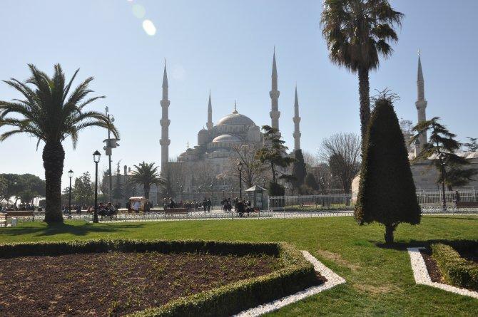 Sultanahmet esnafı: Bombanın olduğu yere turist gelmez