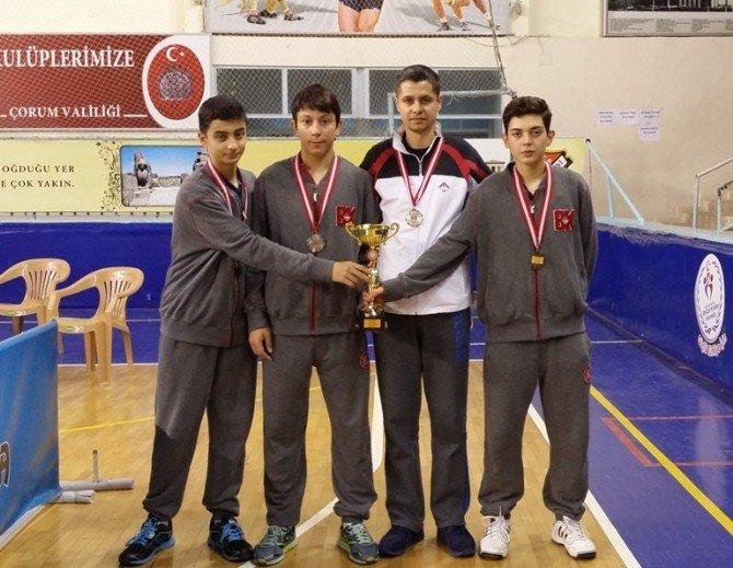 Özel Yalova Bahçeşehir Anadolu Lisesi Masa Tenisinde Türkiye İkincisi Oldu