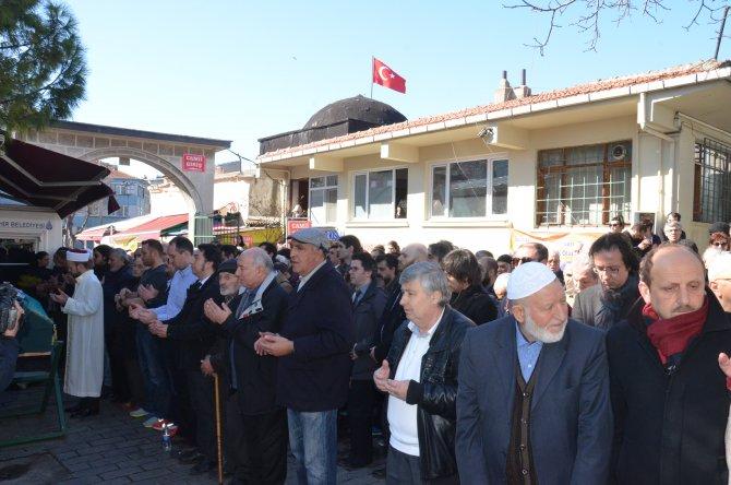 Yazar Veysel Atayman, son yolculuğuna uğurlandı