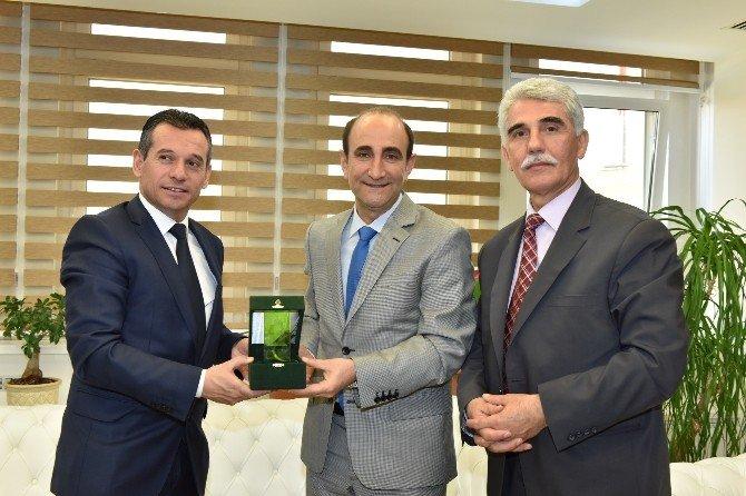 Kosova İçişleri Bakan Yardımcısı Nehat Mustafa'dan Başkan Edebali'ye Ziyaret