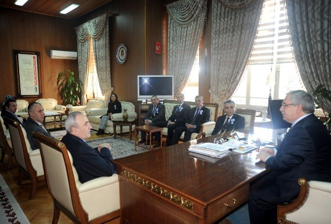 Vergi Haftası Kutlamaları Kapsamında Vali Nayir'e Ziyaret
