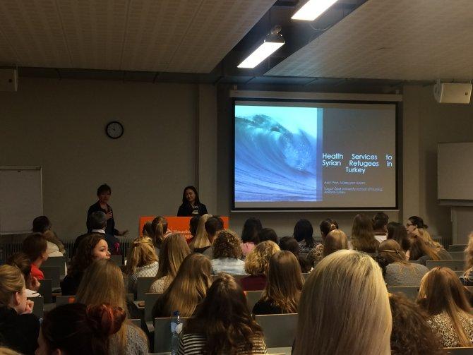Hollanda'da mülteci sağlığı konferansına Turgut Özal'dan katılım