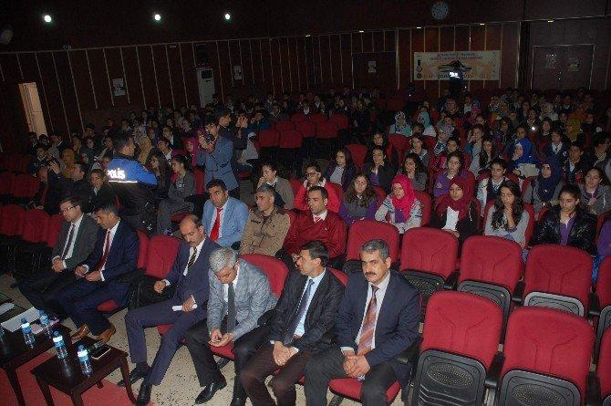 Liseler Arası Bilgi Yarışmasının Finali Başladı