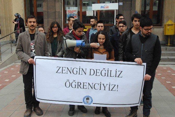 Afyonkarahisar'da Özel Halk Otobüsleri Zammı Protesto Edildi