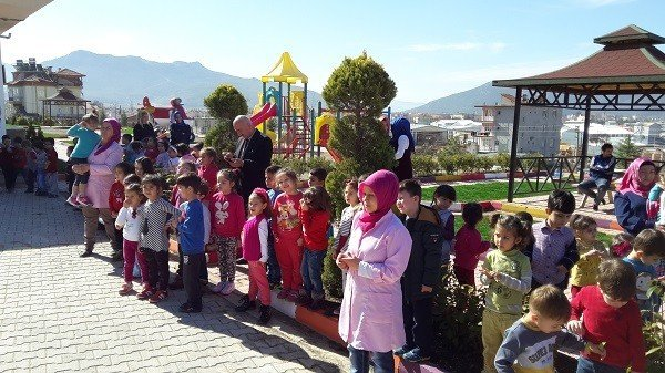 Bucak İtfaiyesi'nden Okullarda Tahliye Ve Kurtarma Tatbikatı