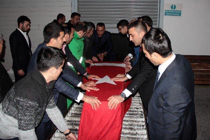 Türkmendağı'nda Şehit Olan Gencin Cenazesi İstanbul'a Gönderildi