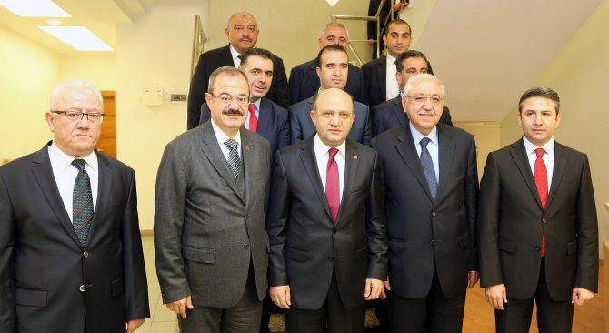 Bakan Işık: HDP ya demokrasiden ya da terörden yana olacak
