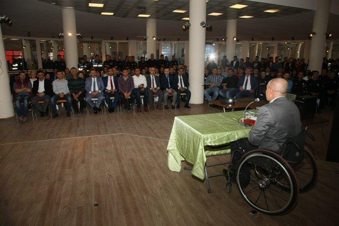 Zabıtalara engellilerle sağlıklı iletişim kurma eğitimi verildi