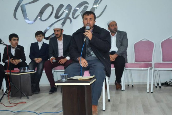Şehit babası oğlunun mevlit programında Kur'an okudu