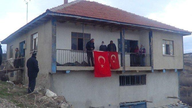 Şehit Uzman Çavuş Kaçar'ın Köyünde Yas Var