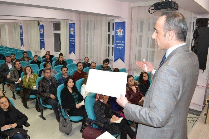 Eğitim Bir-sen Afyonkarahisar Şubesi Üyelerini Sınava Hazırlıyor