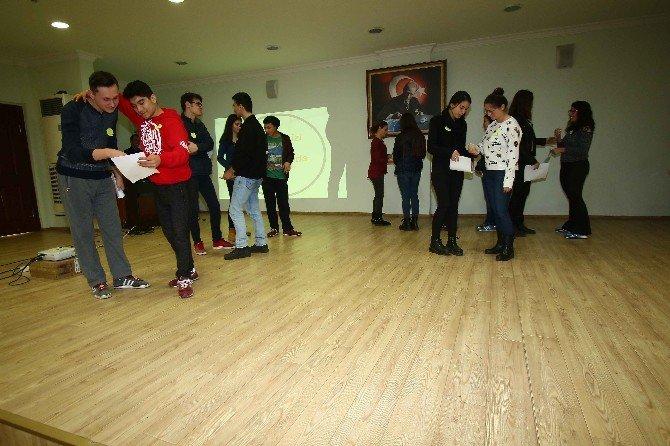 Bayraklı'da Öğrencilere Kaygı Ve Öz Güven Eğitimi