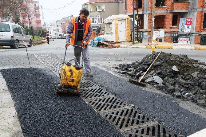 Eyüp Belediyesi Fen İşleri Müdürlüğü, Mahalle Ve Sokaklardaki Çalışmalarına Devam Ediyor