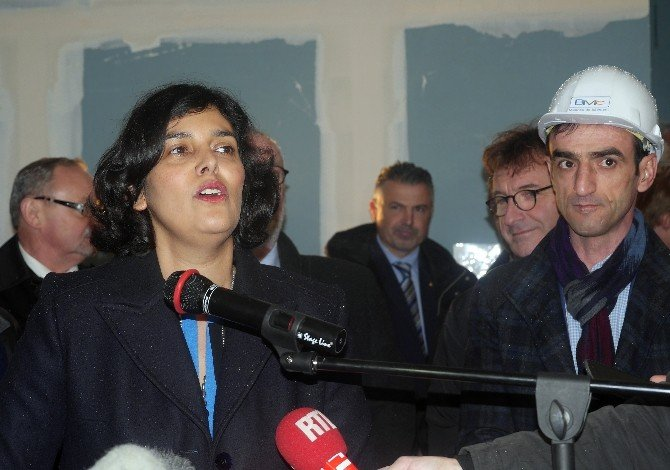 Fransız Bakanlar, Türk Vatandaşına Ait Örnek Şantiyede İncelemelerde Bulundu