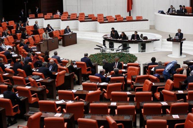 HDP'li vekilden Davutoğlu'na: TBMM'de Kürtçe kurs açılsın, ilk öğrencim siz olun