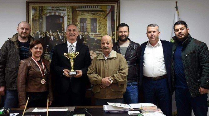 İncirliova Belediyespor Kupaları Kazanmaya Devam Ediyor