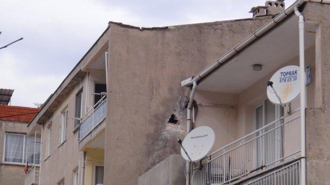 Roketin isabet ettiği apartman sakinleri konuştu
