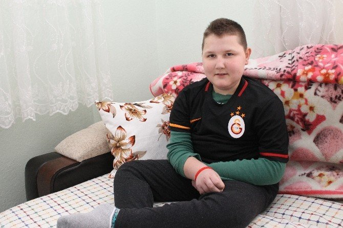 Kas Hastası Kubilay'ın En Büyük Hayali Galatasaray Maçına Gidebilmek