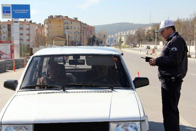 Kastamonu'da 15 Sürücüye 7 Bin TL Trafik Cezası Kesildi