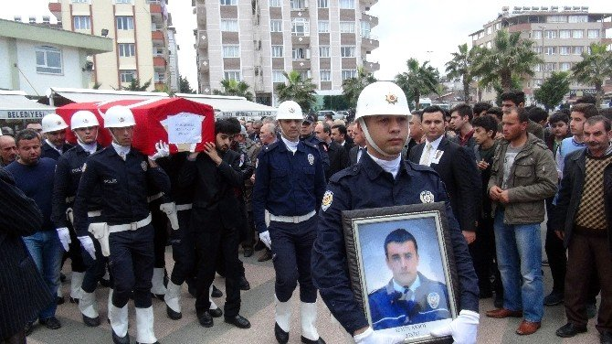 Kazada Ölen Polis Memuru Toprağa Verildi