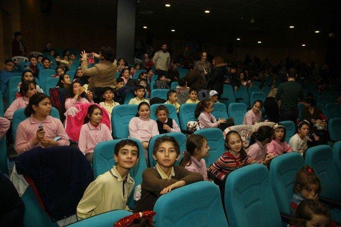 Çocuklar İçin Sinema Günleri Devam Ediyor