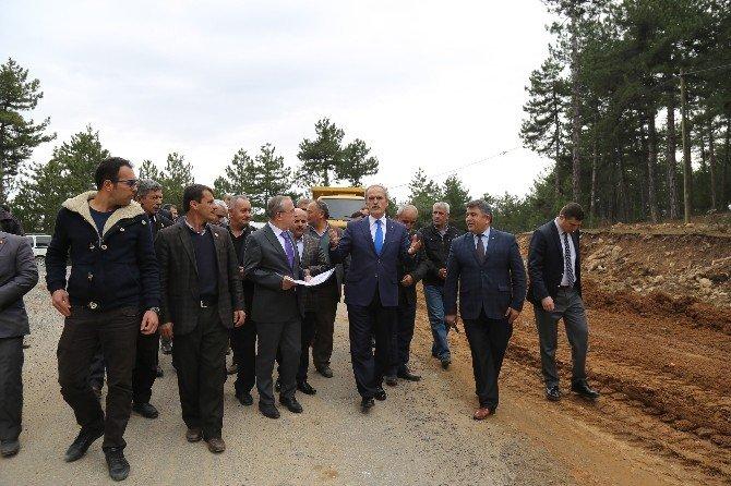 Büyükorhan'da Köy Yolları Sıcak Asfaltla Buluşuyor