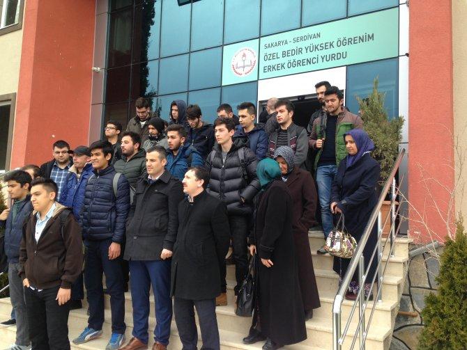 Öğrenci yurdunu süre vermeden kapattılar, öğrenciler dışarda kaldı