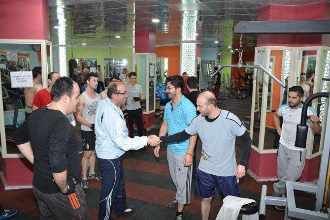 Sandıklı Belediye Başkanı Çöl, Fitness Salonunu Ziyaret Etti