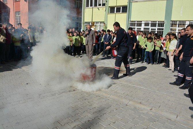 Sandıklı İtfaiyesinden Ortaokulda Yangın Tatbikatı