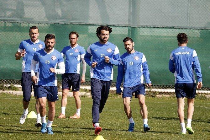 Antalyaspor'da Medicana Sivasspor Mesaisi Devam Ediyor