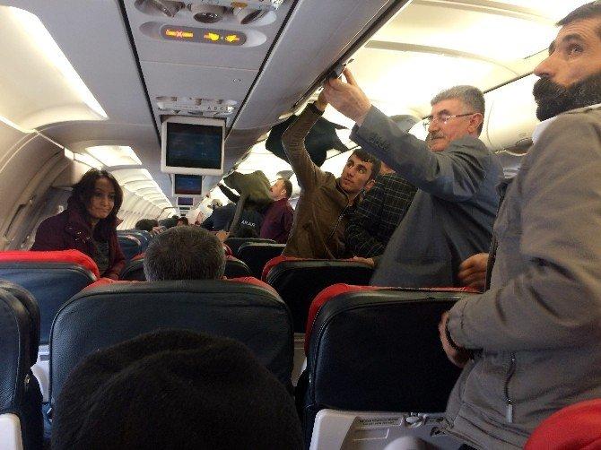 Uçmaktan Vazgeçen Yolcu Uçağın Kalkmasını Uzattı