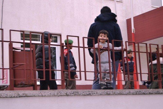 Ayvalık'ta 22 Göçmen Yakalandı